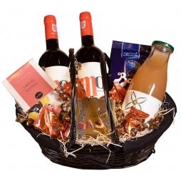 Gavekurv, med vin og delikatesser